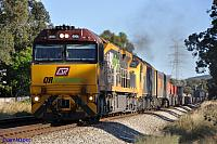6006 and CLP13 on 2PM1 freighter at Swan View on the 1st November 2010