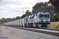 CBH007 and CBH008 on 5K12 loaded grain train at Hazelmere on the 18th October 2012